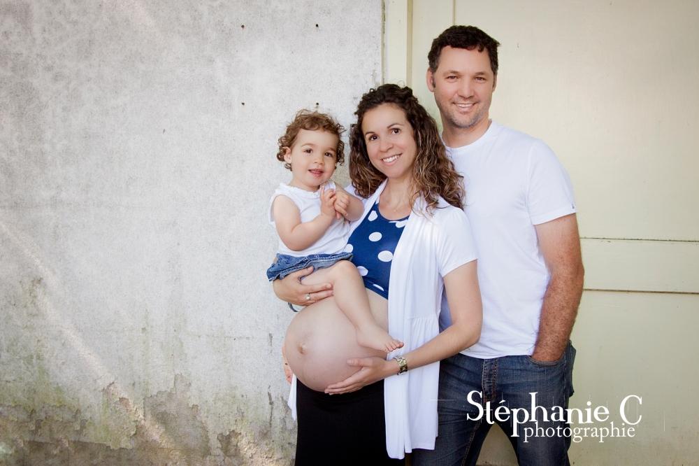 Photo de famille et de maternité à l'extérieur